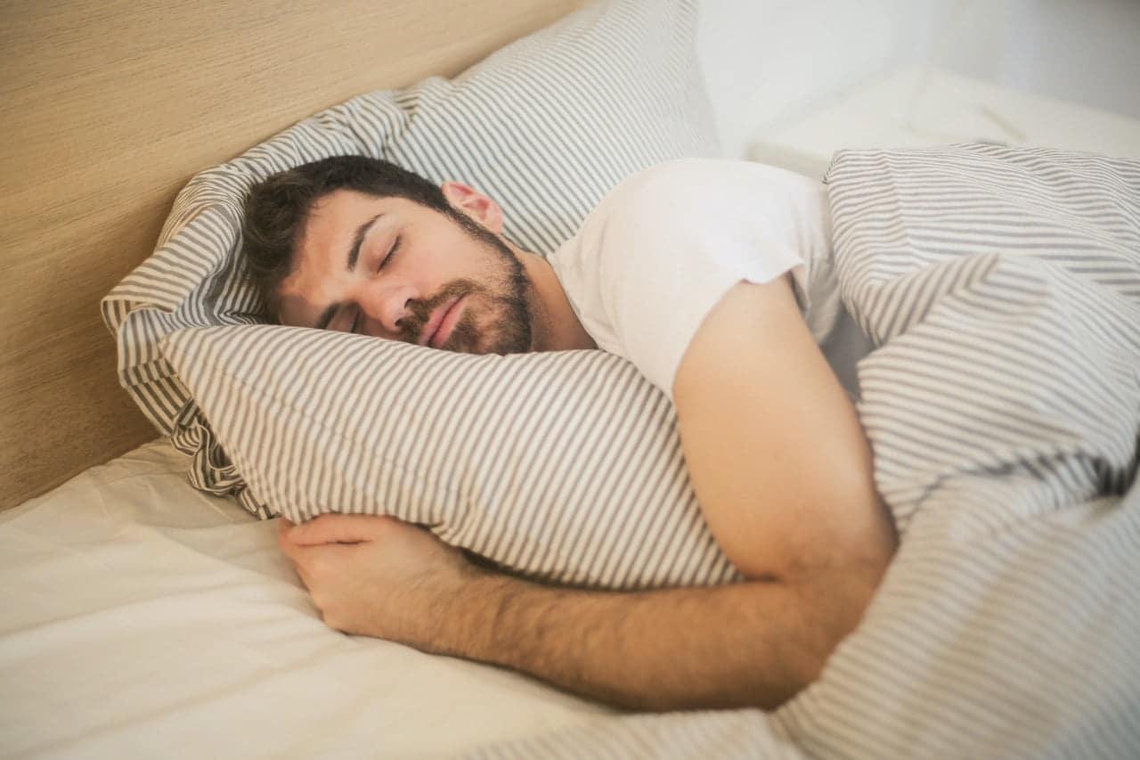 alzheimer uyku sorunu, alzheimer hastasında uyku problemi, alzheimer uyku sorunu